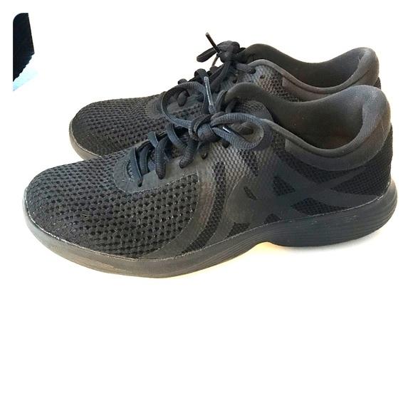 cheap for discount b8fac 621ed Nike Revolution 4 women s running shoe. M 5c6ea9539539f70a809917d3